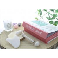 Coffret Massage Jade Blanc pour le Visage